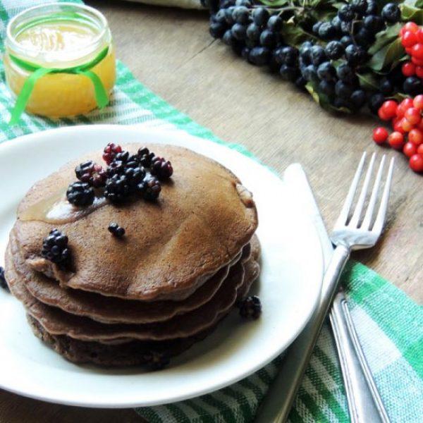 vegan-chocolate-pancakes-550x550